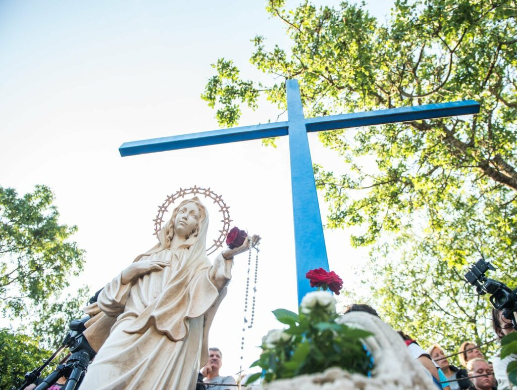 Mensaje de la Virgen María Reina de la Paz  del 2 de enero de 2019; Medjugorje, BiH  (Traducción oficial)