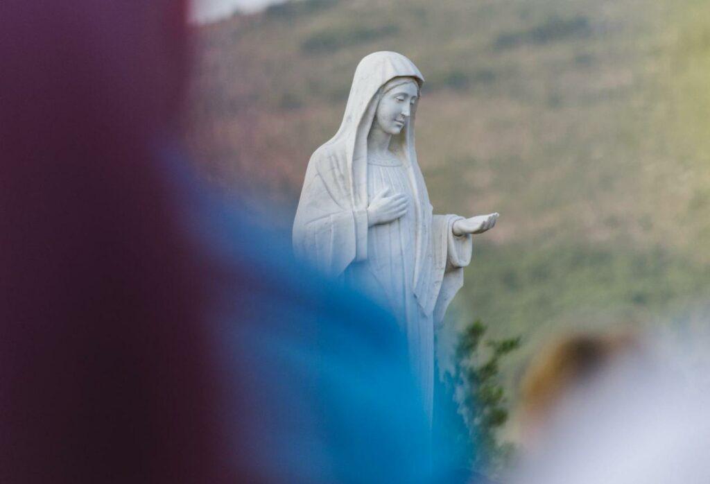 Noveno día de la Novena a María Reina de la Paz