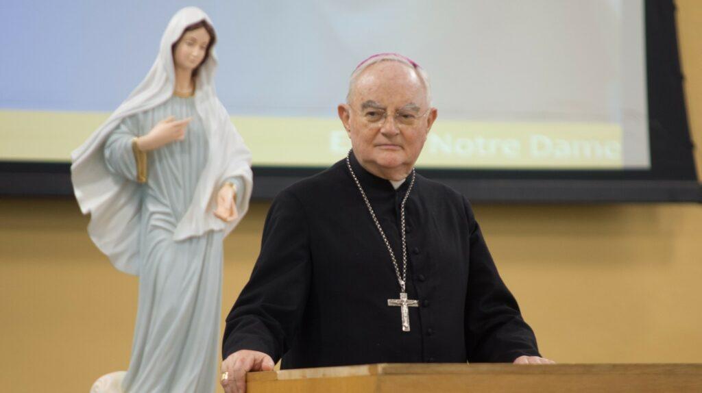 """Mons. Hoser: """"la gente busca una realidad espiritual que pueden encontrar aquí"""""""