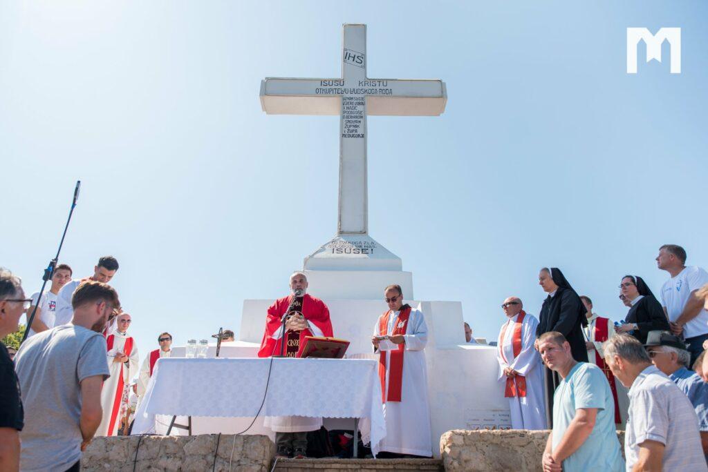 Fiesta de la Exaltación de la Santa Cruz en Medjugorje: la cruz es nuestra identidad